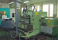 UNIVERSAL CENVENTIONAL MILLING MACHINES